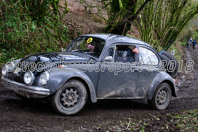 D50_0009 -  No. 125, Jack and Colin Clarke:  Class 6 VW Beetle