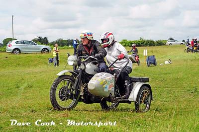 Class B No. 26 Mike Slatter and Jacqui Brooks - Norton 19S