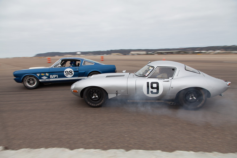 Nick Colonna locks up the front brakes on his 1963 Jaguar E-Type Low Drag. © 2014 Victor Varela