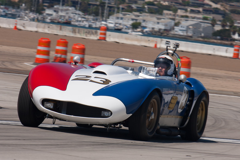 Bill Sadler in the patriotic liveried 1960 Sorrell/Larkin Special. © 2014 Victor Varela