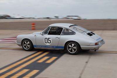 Bill Lyon and his 1967 Porsche 912. © 2014 Victor Varela