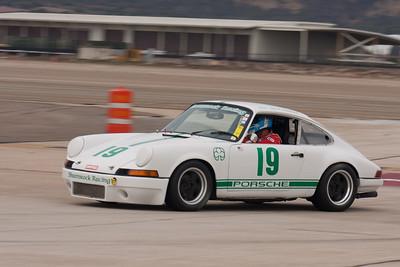 Matt Parsons going into turn 11 in his 1969 Porsche 911. © 2014 Victor Varela