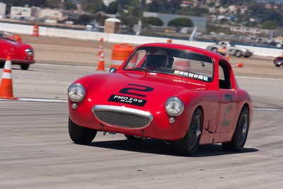 Terry Cowan in his 1960 Austin Healey Sebring Sprite. © 2014 Victor Varela