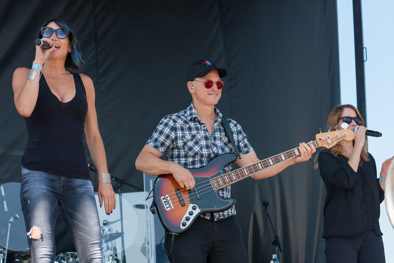 Actor Gary Sinise and the Lt. Dan Band entertained Saturday afternoon.