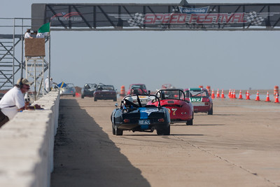 Green flag given to Group 3 as they head down the straight.