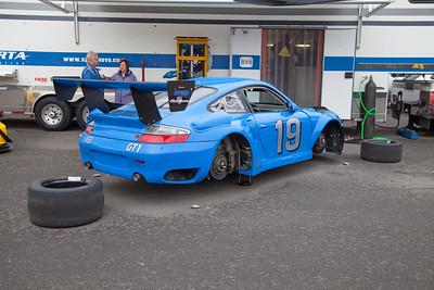 A Porsche GT3 without shoes