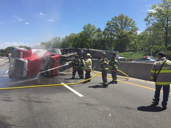 M-LFD Responds to Overturned Truck on the LIE