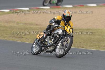 Race 11. Pre 1950 ~ 250cc Classic (pre 12/68) ~ 350cc Classic (Pre 12/68).