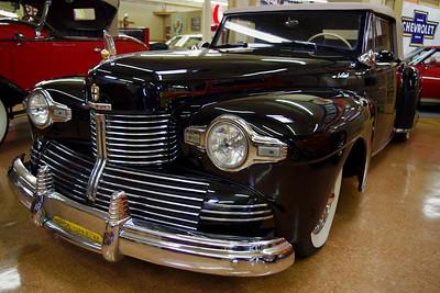 1942ish Lincoln V-12. Branson Auto Museum.