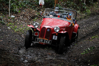 Mike Pearson approaches Verduns Bank on Beetle Drive