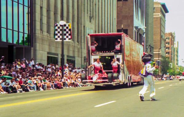 97-500-parade-17