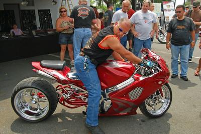 045 A REAL Crotch Rocket at Leesburg Bike Fest