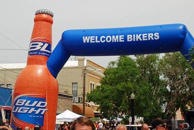 037 Bud Light Welcomes Bikers to Leesburg Bike Fest