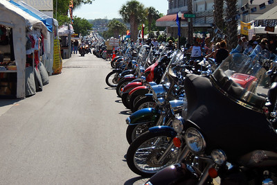 042 Looking east on Main St in Leesburg Florida at 2009 Bike Fest