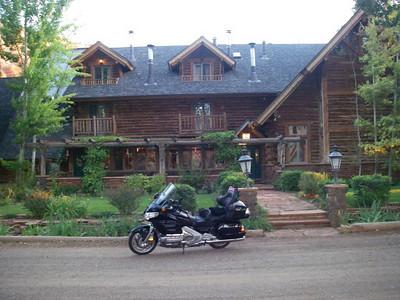 Red River Lodge, Torrey