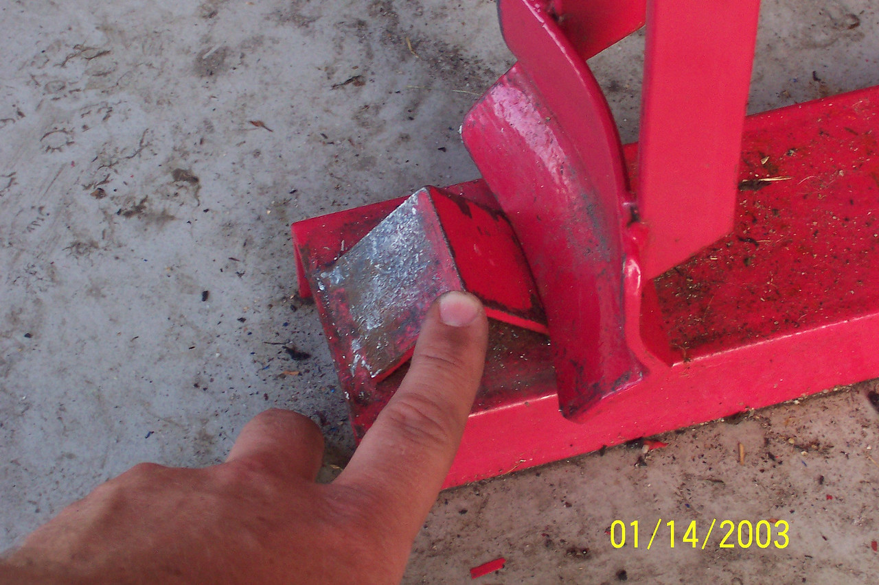Place one edge of the rim here.