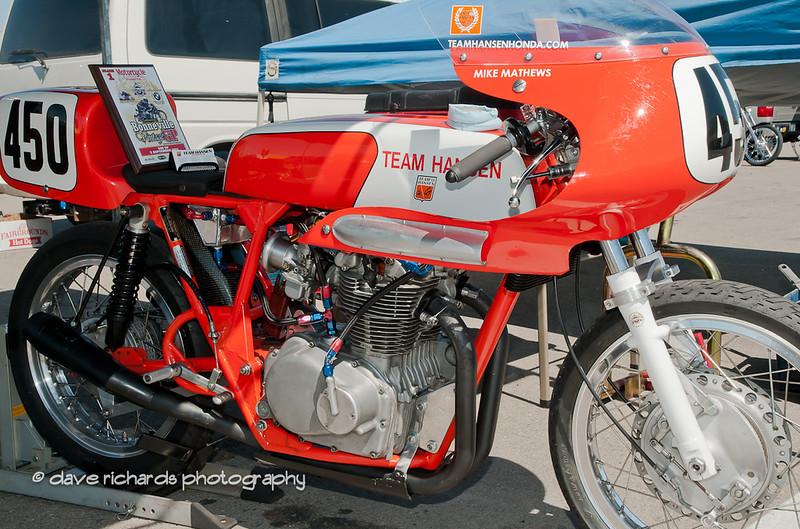 Bonneville Vintage GP 9 4 11-174