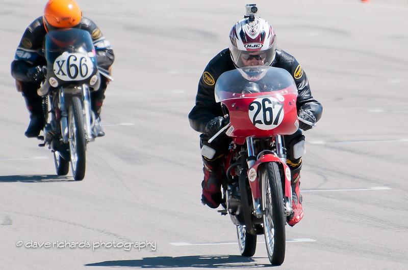 Bonneville Vintage GP 9 4 11-155