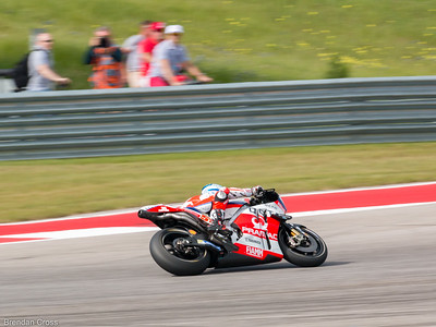 I need to shoot from where these blurry guys in the background are. I've run otu of options at COTA. Ugh.