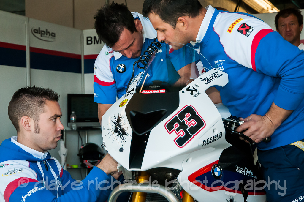 Getting Melandri's BMW ready for Race 1