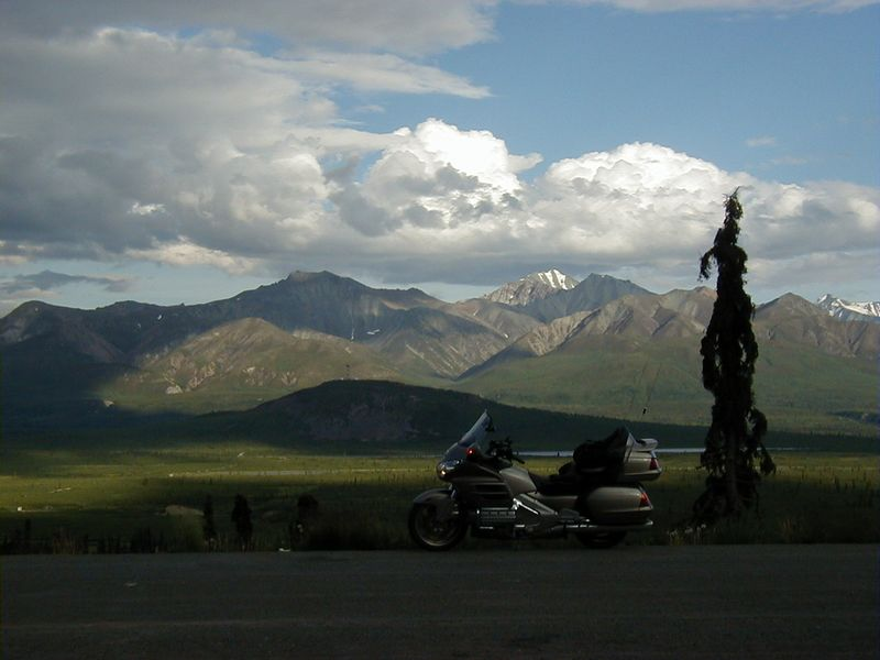 Mountains in Tahneta Pass.