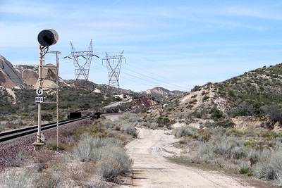 Sunday - 3/5: On the down side of Cajon Pass, near the intersection of SR138 and I-15, a dirt road provides a spot from which to photograph trains - it they ever come.