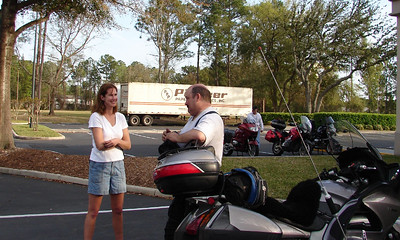 Thursday - 3/9: After a short, 140 mile, ride to Jacksonville, FL we were checked into our hotel room and greeting other early arrivals.  Here Steve chats with Rebecca Vaughn, an IBR finisher.