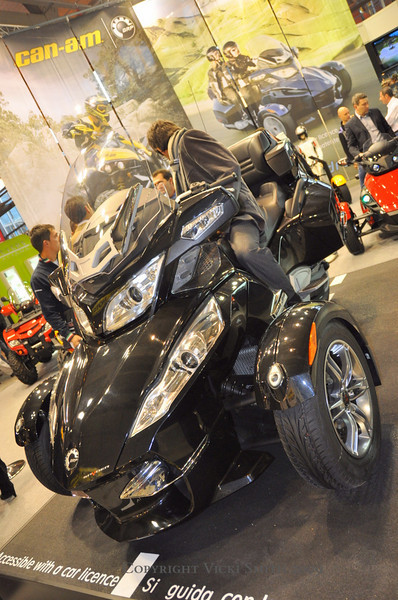 The Worlds biggest Can Am Spyder.  So large I suspect it has to conform to SUV bumper height standards :-)