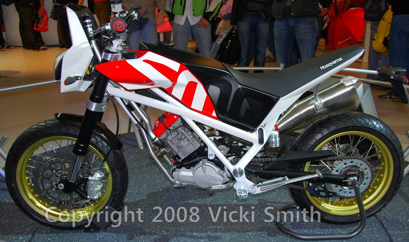 That's a new 450 single from Husky.  It was a showstopper and really tiny.  An exception to this years trend