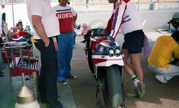 Honda pits