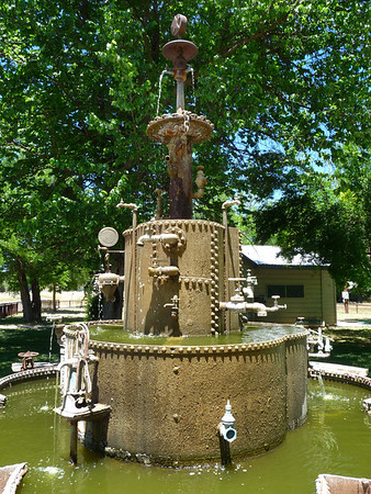Parkfield fountain