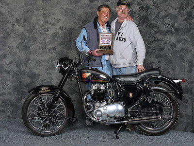 Gary Dodds, Street Heavyweight 1946-1962, Production - 1954 BSA A10 Golden Flash
