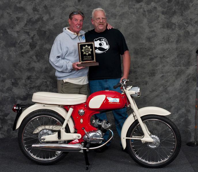 Vincent Schardt,  1965 BSA Starlite.  Class: Street Lightweight 1963-1970