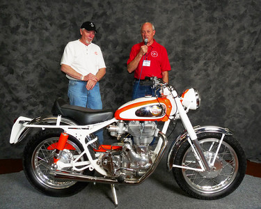 Paul Mooney, Modified/Cafe 1946-1962, ridden, 1960 Royal Enfield 500 Fury