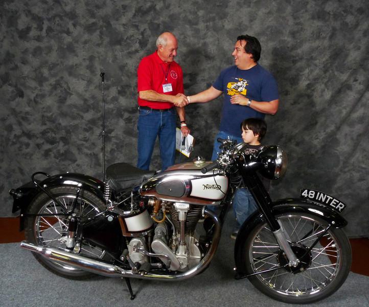 Bob & Matt Young, Roadrace 1946-1983, 1948 Norton Model 30