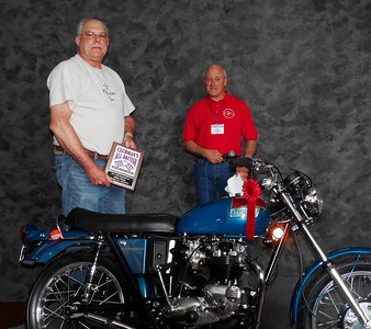 Bob Champagne, Modified/Cafe 1971-1983, ridden, 1971 Triumph T120 Bonneville