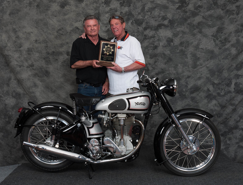 Bob Ives, Winner of Street Middleweight 1946-1962 Production Class - 1952 Norton International