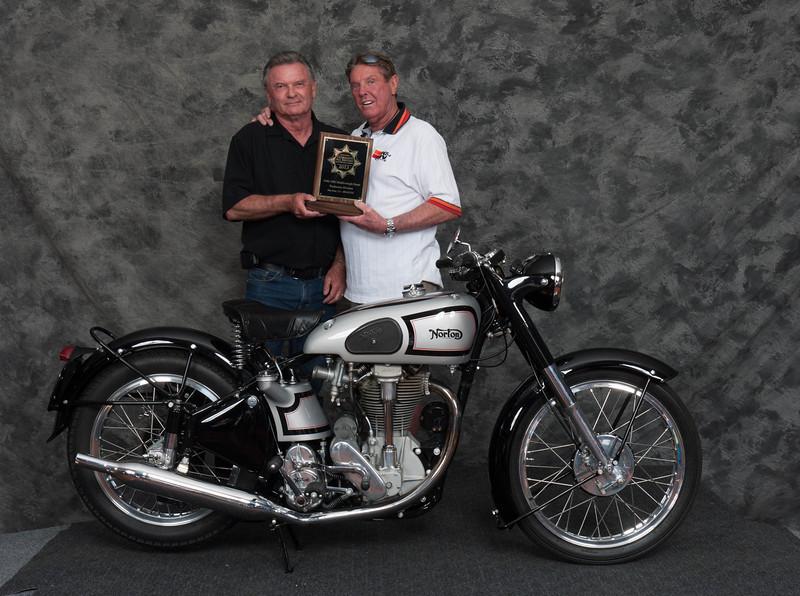 Bob Ives, Winner of Street Middleweight 1946-1962 Production Class - 1952 Norton International
