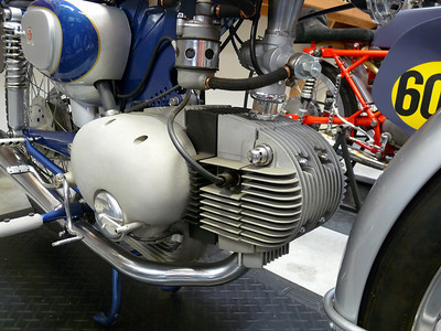 P1040486F