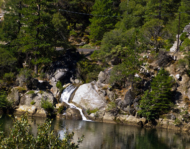 A teensy tiny waterfall on the Feather River