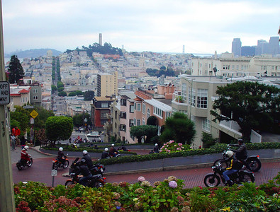 Lombard St with vintage bikes