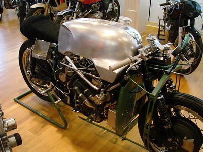 Moto Guzzi V8 replica