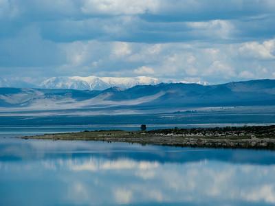 Mono Lake from  I-395