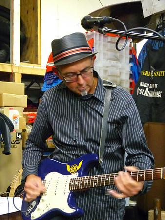 Frank Morales jamming