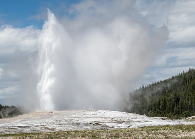 Yellowstone Park - Old Faithful