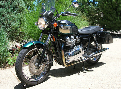 Triumph Bonneville 800.  A number of people along our ride stopped us and asked about the Bonneville. Not surprising, really, since it was named one of the top ten motorcycles of all time and defines the classic street bike!