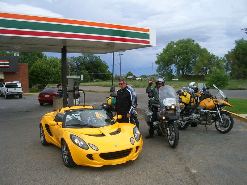 This is the group I met at the pass. They were 3 GS riders and 1 Lotus driver from Texas. I had the feeling that we'd be crossing paths again.