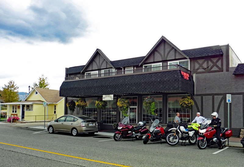 The VBMWR Summerland Breakfast Ride was held at Santorini's Restaurant in downtown Summerland.  Early arrivals are Mark, Bob and Dave.