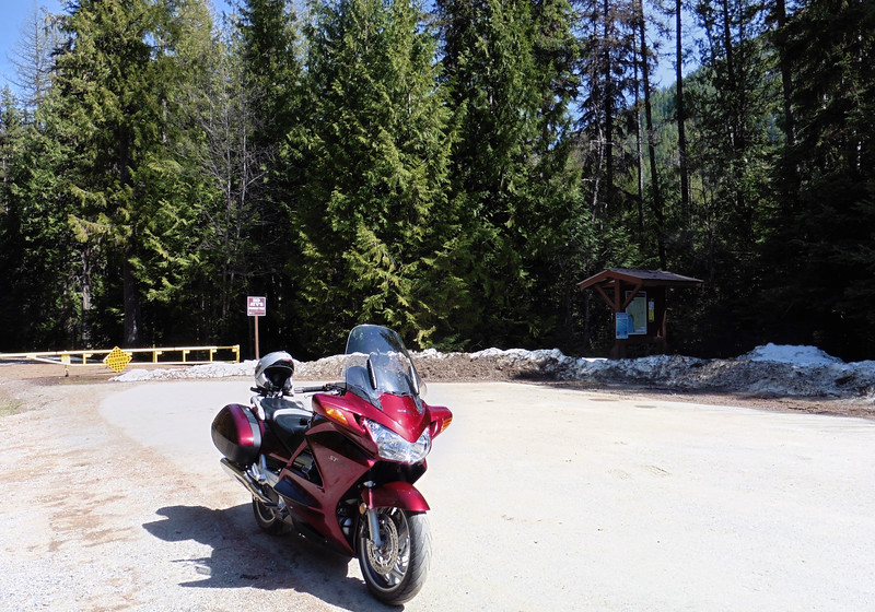 A nice day in early April.  I for Greenwood for a coffee and decided to ride up to Jewel Lake Provincial Park as I hadn't been there before.  The park was still closed for obvious reasons.
