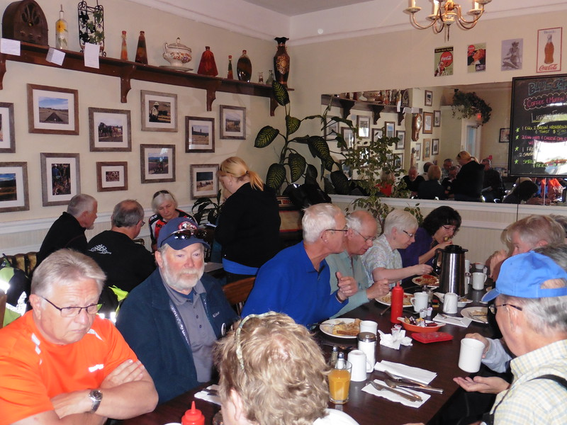 The Valley BMW Riders April Brekkie ride actually occurred in May this year.  The Blue Cafe in Armstrong was the venue and we had a good turnout.  L-R on the far side of the table is Tom, Martin, Mark, Wayne, Mary-Lou and Joanne.